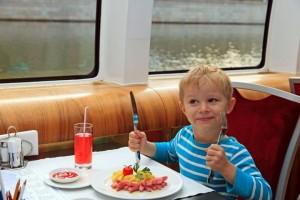 Kinderfahrt auf dem Rhein